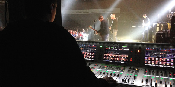 Paul Weller Back on the Road With Soundcraft Vi6 Digital Console