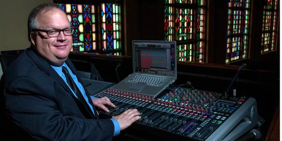 Si Performer 3 调音台带领 South Main Baptist Church 进入数字时代