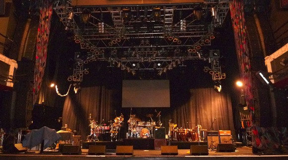 Sound Image Outfits House of Blues Las Vegas With JBL VTX Line Arrays