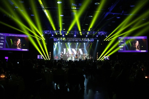 Radio Stars: CTS Audio Provides Sound for Nashville's CRS 2013 with JBL VTX Line Arrays and Crown I-Tech HD Amplifiers