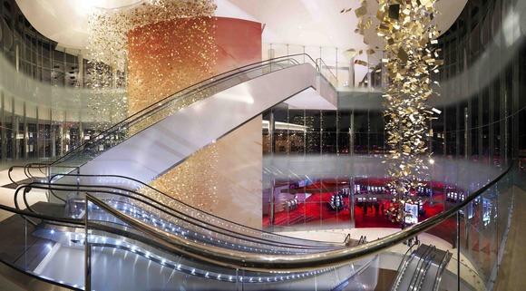 大西洋城新建成的 Revel 酒店选择配备 BSS 音频处理,Crown 功放和 JBL 扬声器的大规模哈曼音响系统