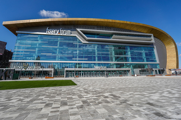 WJHW and Parsons Bring HARMAN Professional Solutions Lighting and Audio Systems to Milwaukee Bucks' New Arena
