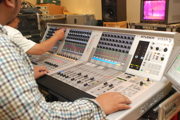 HARMAN Studer Vista 5 SR™ Console Handles Live Sound Mixing for Indonesia's 2011 SCTV Awards