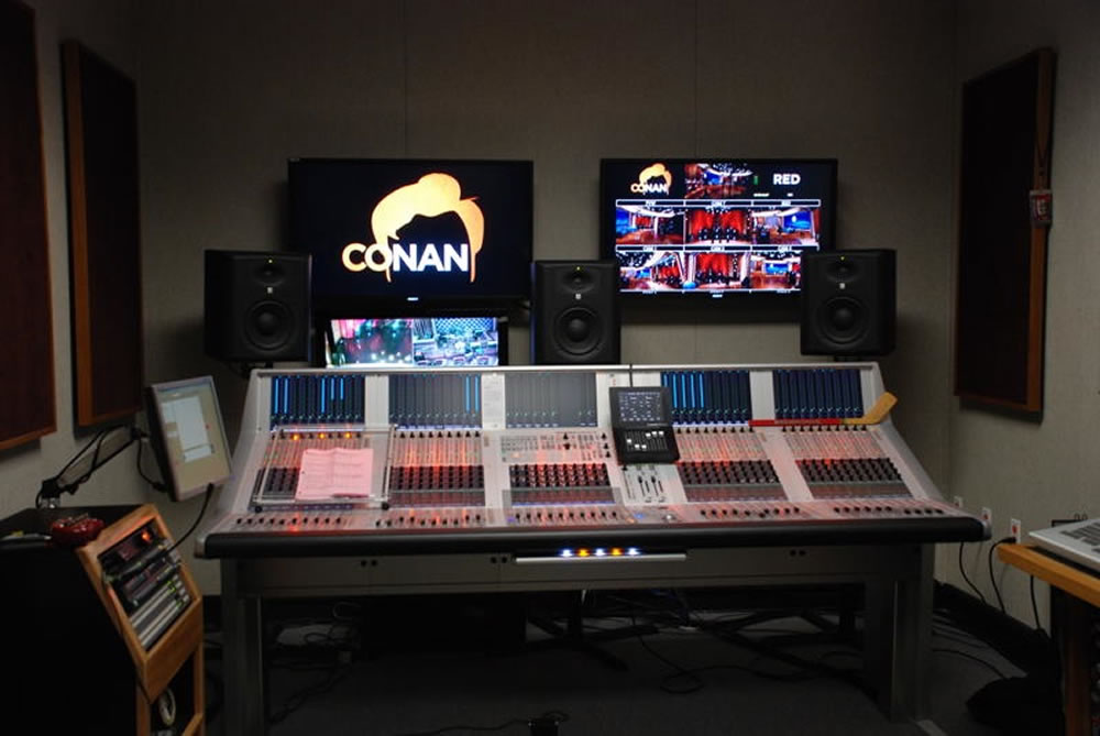 conan gets two studer vista 9 studer professional mixing consoles. Black Bedroom Furniture Sets. Home Design Ideas