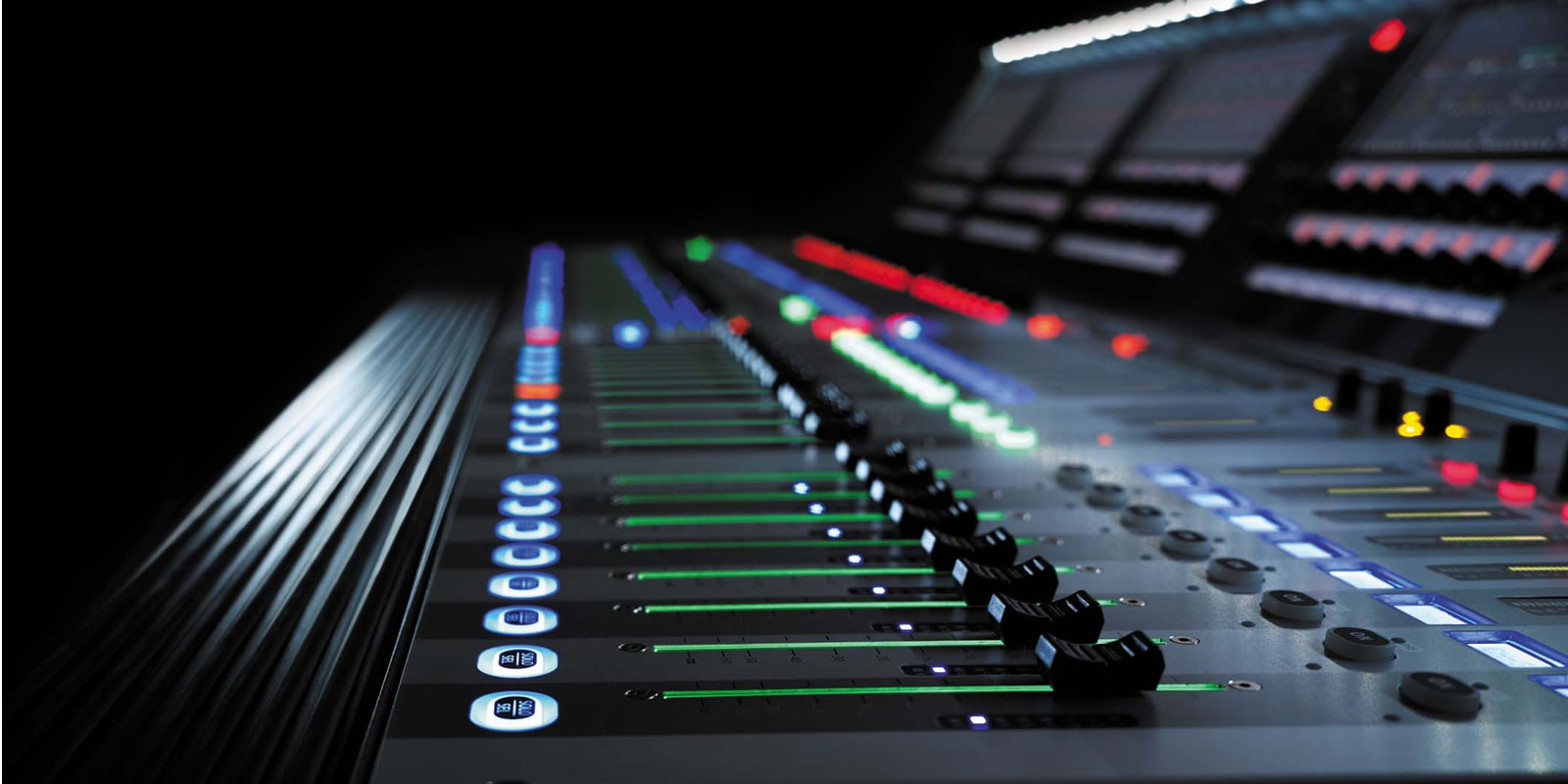 The Tiny House Company Vi6 Soundcraft Professional Audio Mixers